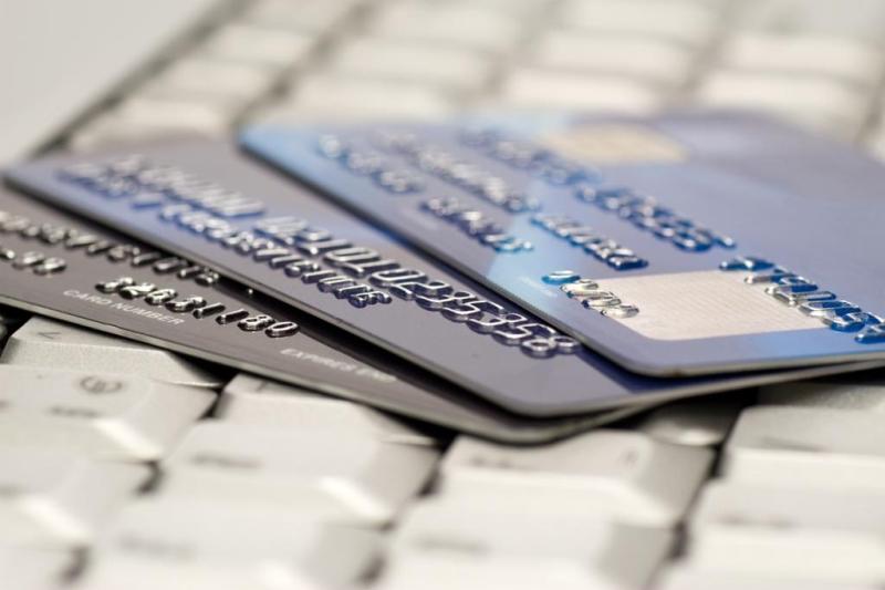 Приостановление операций налогоплательщика по счетам в банках по результатам рассмотрения жалобы может быть признано неправомерным